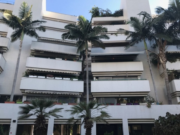 Продажа квартир в герцлии закон запрещающий недвижимость за рубежом