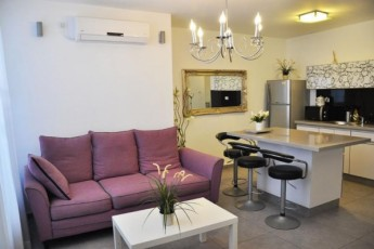 Near Sea 3-rooms Bat Yam Apartment